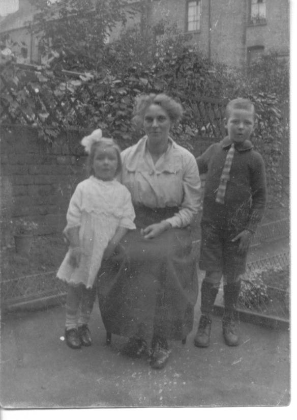Lettie with Alf and Winnie Tricker