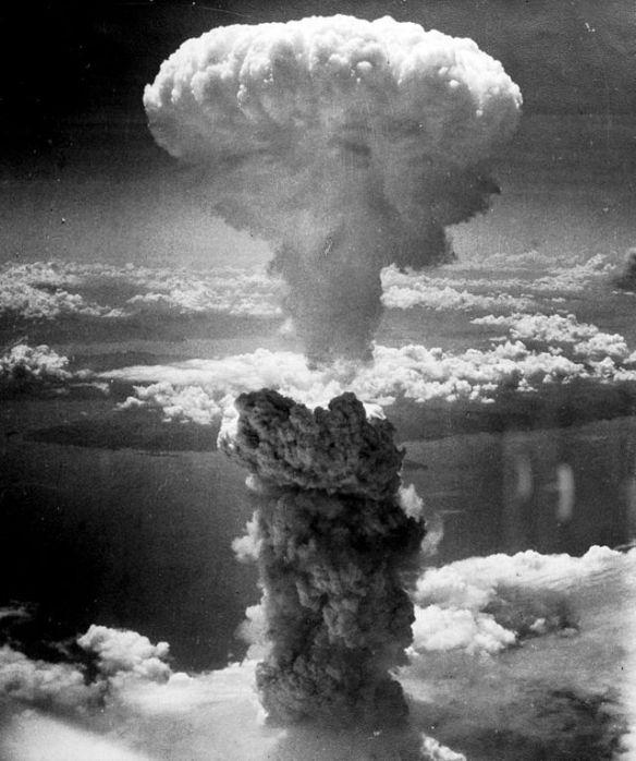 http://en.wikipedia.org/wiki/Nuclear_weapon#mediaviewer/File:Nagasakibomb.jpg